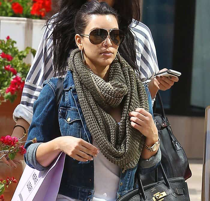 Kim Kardashian rocks Top Gun-ish aviator shades