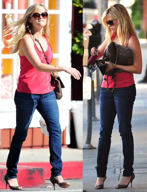 Reese Witherspoon rocks a light and breezy tank top with Hudson Beth Baby boot-cut jeans