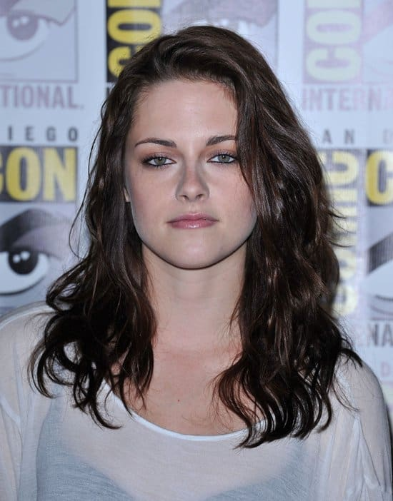If anything, Kristen Stewart dressing down for this appearance made it easier for her to get in touch with her fans