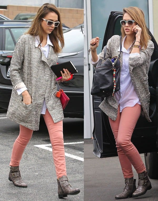 Jessica Alba wears Henry & Belle Ideal skinny jeans in West Hollywood