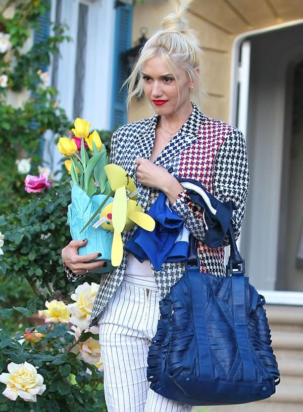 Gwen Stefani leaving her parents' house after celebrating Easter Sunday with her family
