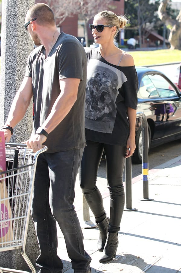 Heidi Klum and boyfriend, Martin Kristen go grocery shopping together