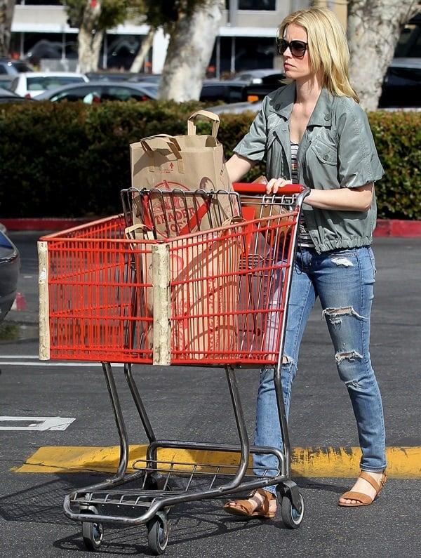 Elizabeth Banks Groceries