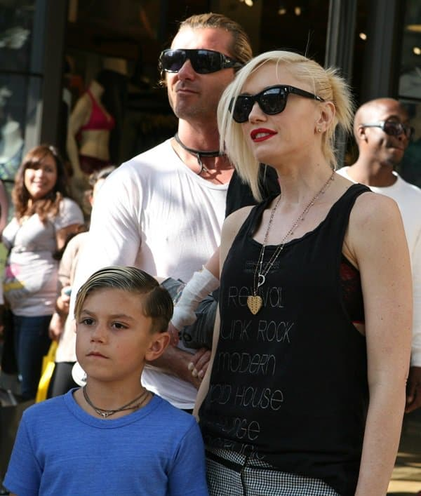 Gwen Stefani and husband Gavin Rossdale taking their two sons to The Grove in Los Angeles