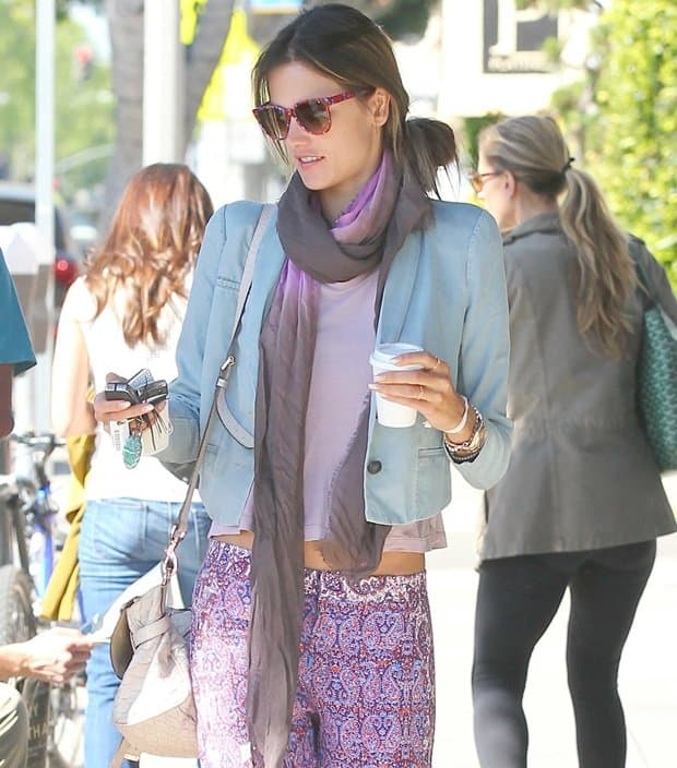 Alessandra Ambrosio at Cafe Luxxe on Montana
