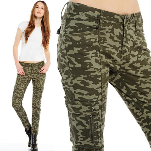Evie So in Fashion Camo-Print Skinny Jeans with Zip Detail