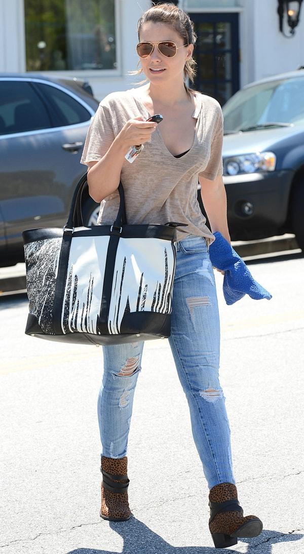 Sophia Bush looking great in shredded Current/Elliott jeans