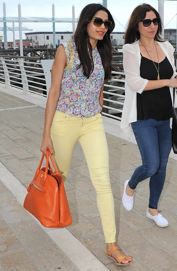 Freida Pinto's canary yellow jeans drew a lot of attention