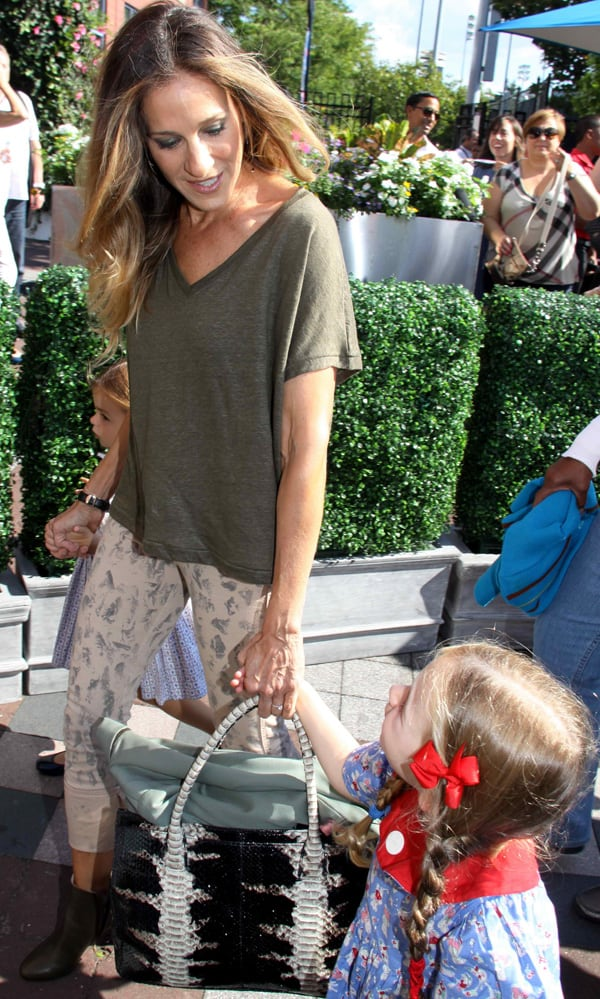 Sarah Jessica Parker slipped into a pair of MiH Ellsworth Skinny Jeans in Black Sand