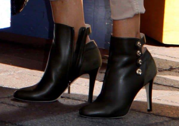 Sarah Jessica Parker wearing black Jimmy Choo 'Talma' booties