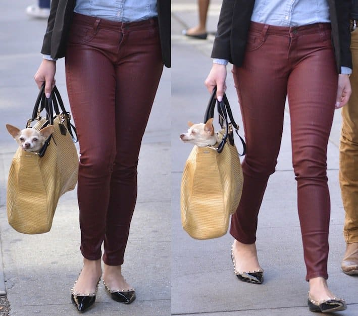 Katherine Heigl styled her burgundy-colored coated denim jeans with a light chambray top and a black blazer