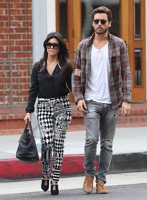Kourtney Kardashian Out For A Coffee