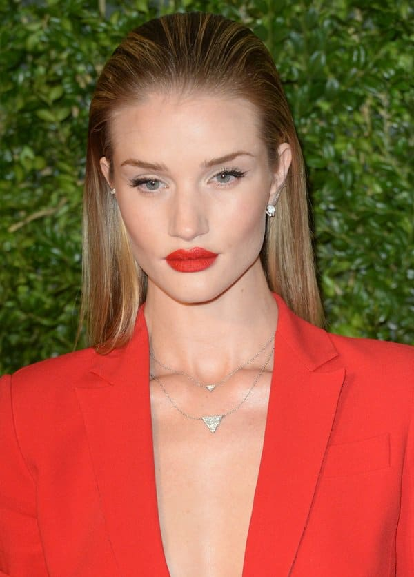 Rosie Huntington-Whiteley rocked Anita Ko's triangle 18-karat gold diamond necklace