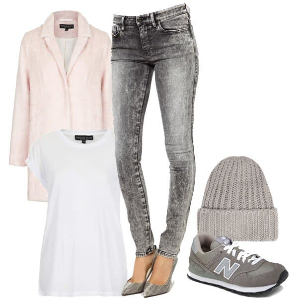 Super skinny jeans with beanie and tee outfit