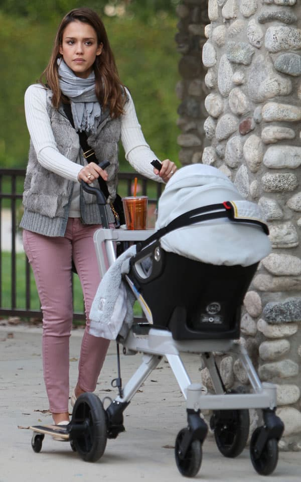 Jessica Alba enjoying a family day out at Coldwater Park in Beverly Hills, California, on February 12, 2012