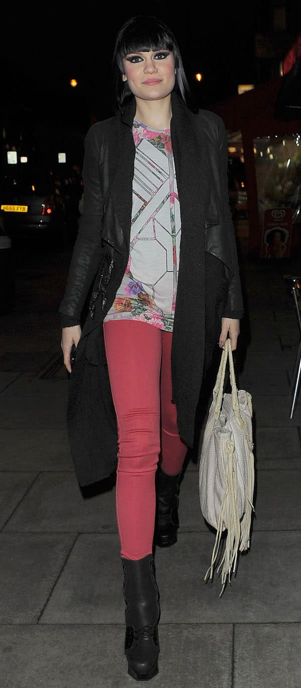 Jessie J taking some time out of her hectic day promoting her new album to enjoy an evening meal with friends on February 22, 2011