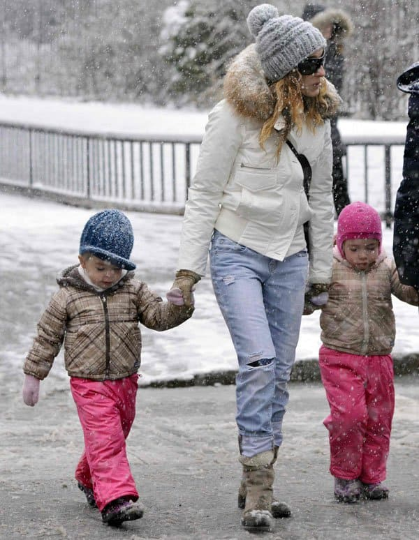 Sarah Jessica Parker walking her daughters to school on a snowy morning on March 8, 2013