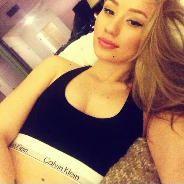 Iggy Azalea's selfie in Calvin Klein underwear