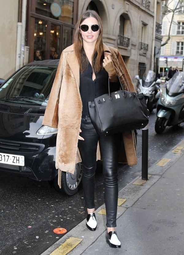 Miranda Kerr rocking stretch-leather skinny pants by Helmut Lang