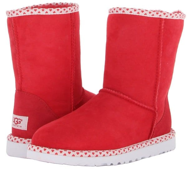 UGG Classic Short Hearts Red