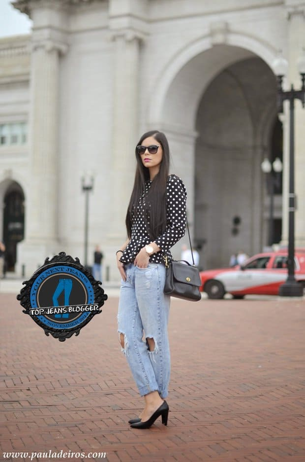 Paula styled her ripped boyfriend jeans with a polka-dotted peplum top