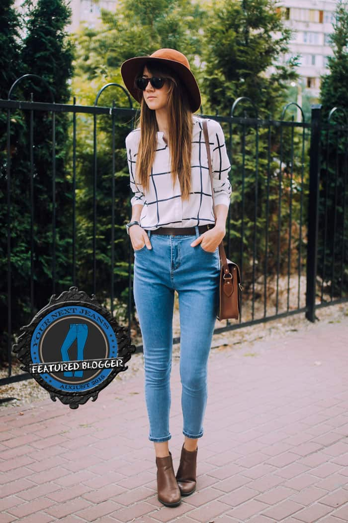 Nastia styled her blue high-waisted pants with an equally chic hat